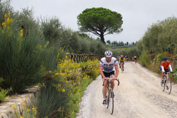 Riders on the strade Bianche during L'eroica
